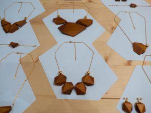 Colliers en bois