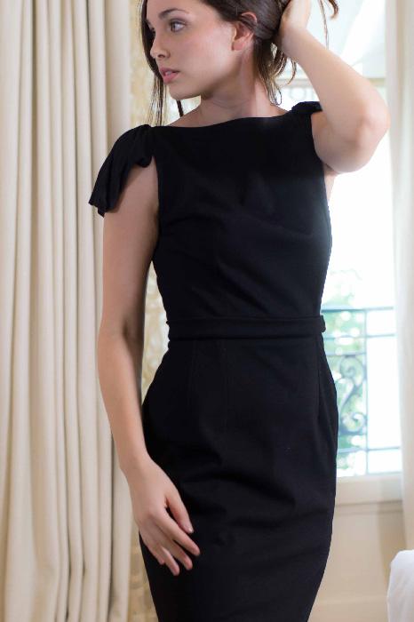 Robe noire Marion Kenezi mode éthique