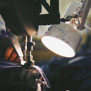 Détail couture et lampe d'appoint Boerum Apparel Mode éthique