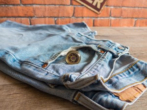 Vintage Denim Upcycling Slow Fashion