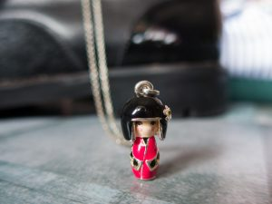 Necklace Kokeshi Collier rouge
