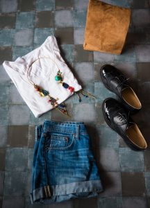 Tenue Outfit Short White T-shirt black shoes