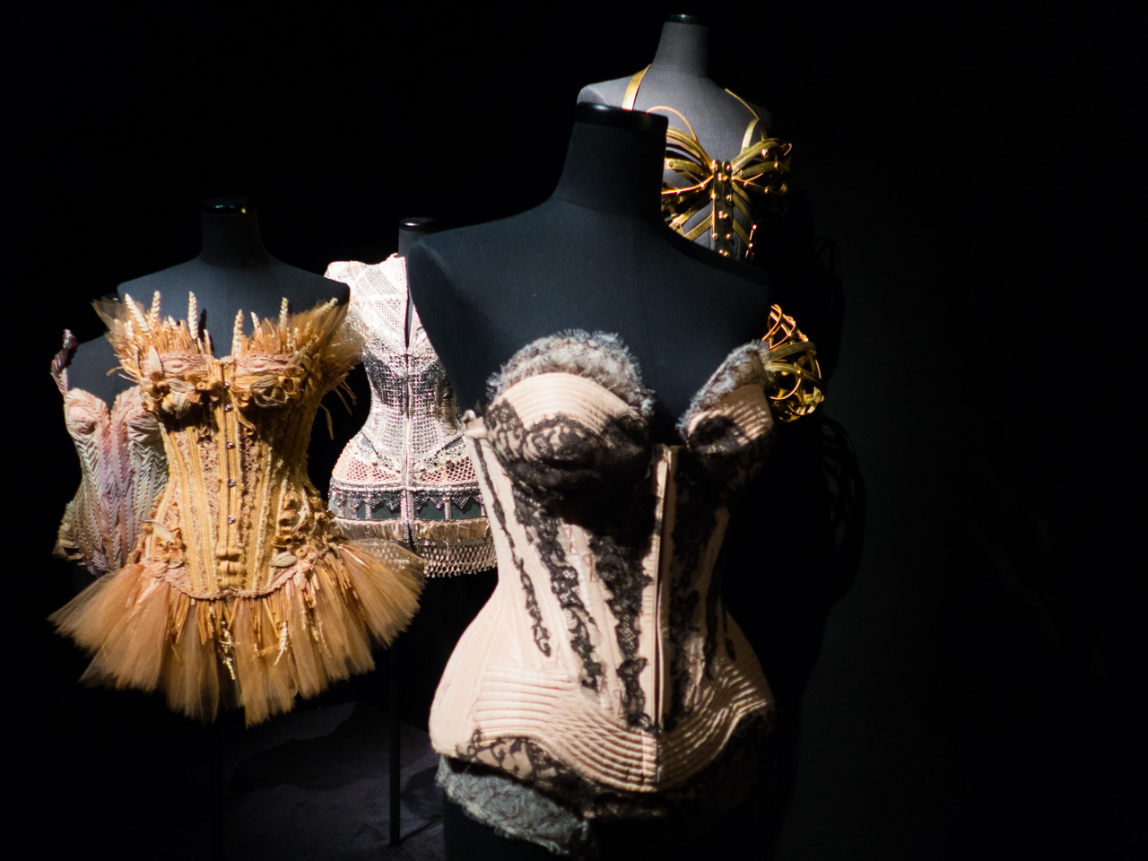 expo JPG Grand Palais Paris Corsets