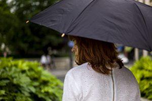 city-ballerina-back-umbrella-balzac-paris