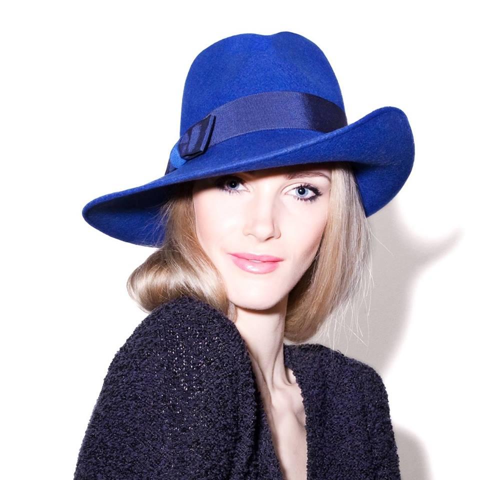 Mademoiselle Slassi chapeau