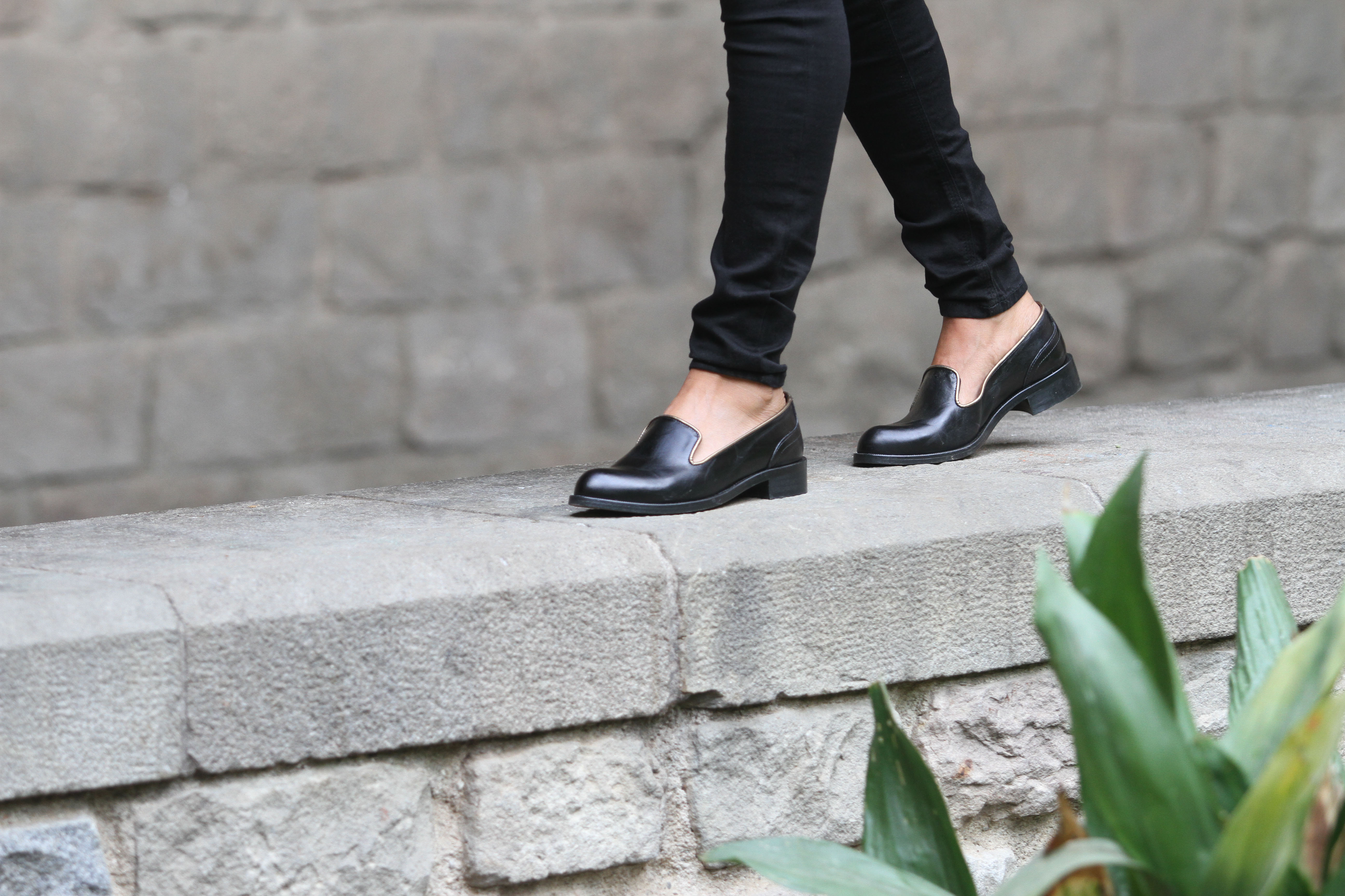 Jules & Jenn les collections chaussures femme slippers cuir